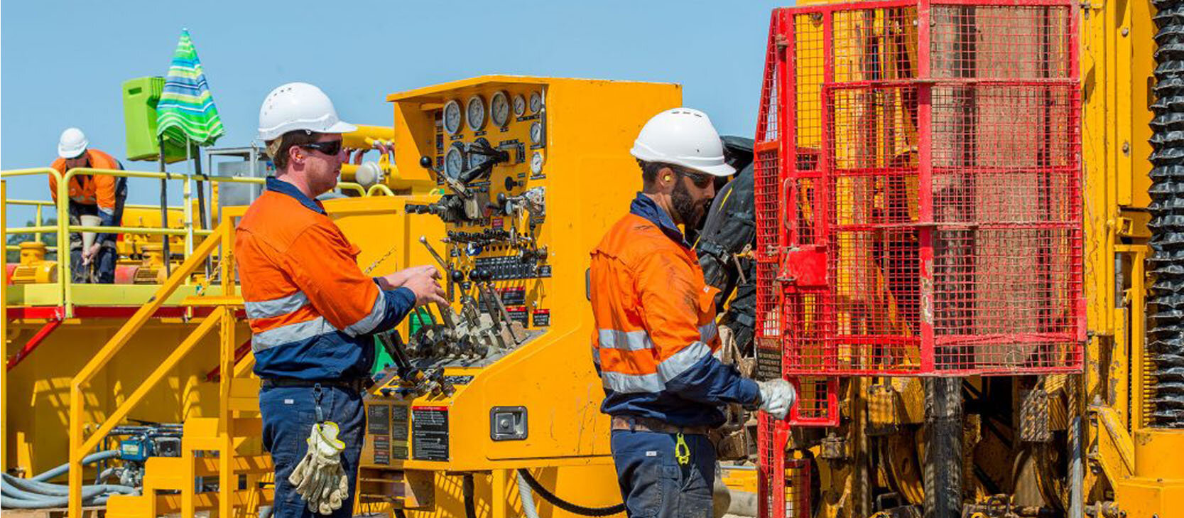 DDH1 rig operators
